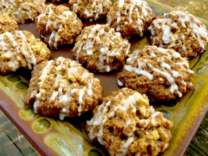 Mmmm. These Glazed Apple, Walnut and Oatmeal cookies are to die for! Mmmmuuuuaaaah ha ha ha ha!