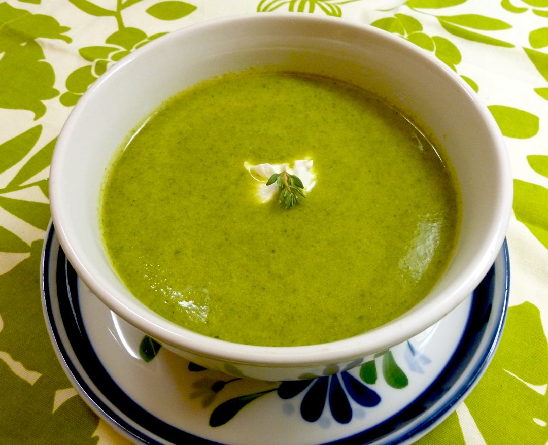 Lean, Mean and Green Broccoli Spinach Soup | bits and breadcrumbs