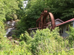 We saw this mill wheel on the way down the mountain.